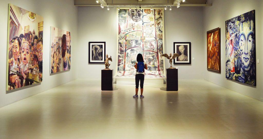 art-exhibit-audience